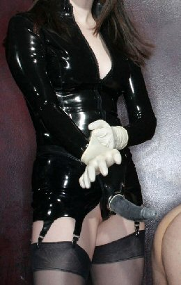 strapon latex domina